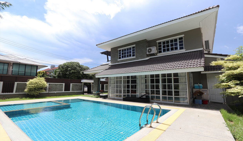 List-Sotheby-International-Realty-View-Point-94-Jomtien-Pool-Villa-exterior3