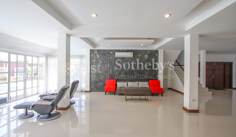 List-Sotheby-International-Realty-View-Point-94-Jomtien-Pool-Villa-interior4