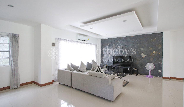 List-Sotheby-International-Realty-View-Point-94-Jomtien-Pool-Villa-interior5