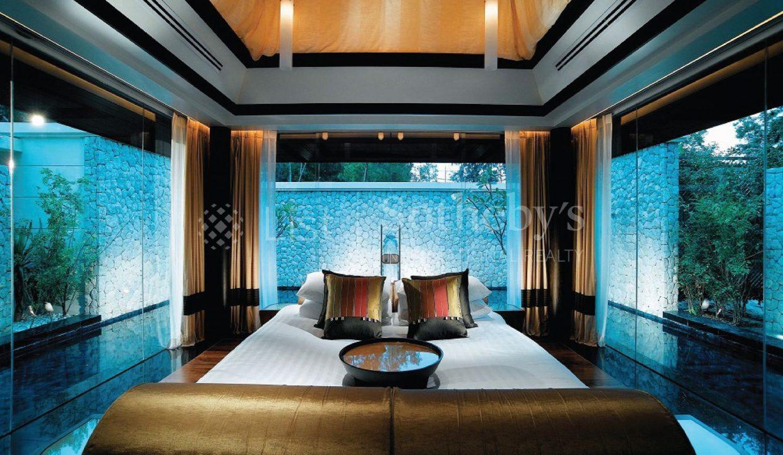 List-Sothebys-International-Realty-Banyan-tree-Phuket-bedroom1_1800x1200_display