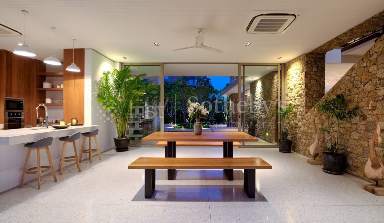 List-Sothebys-International-Realty-Five-Islands-Estate-interior28_1800x1200_display
