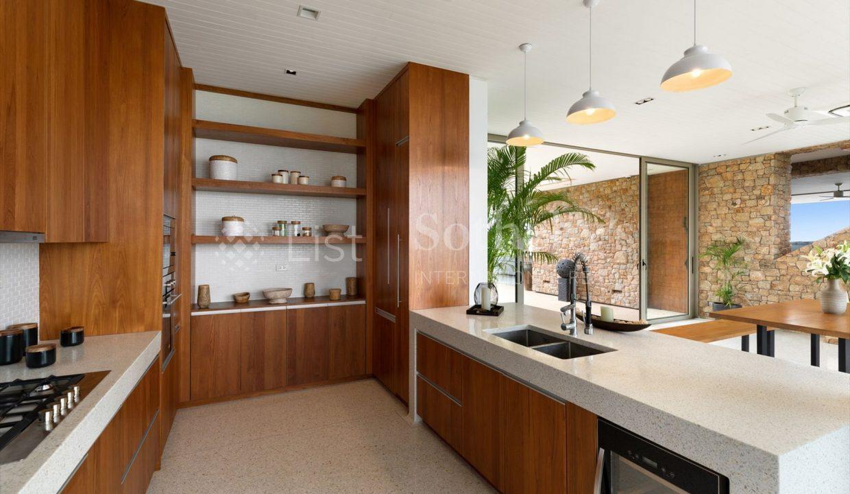 List-Sothebys-International-Realty-Five-Islands-Estate-kitchen1_1800x1200_display