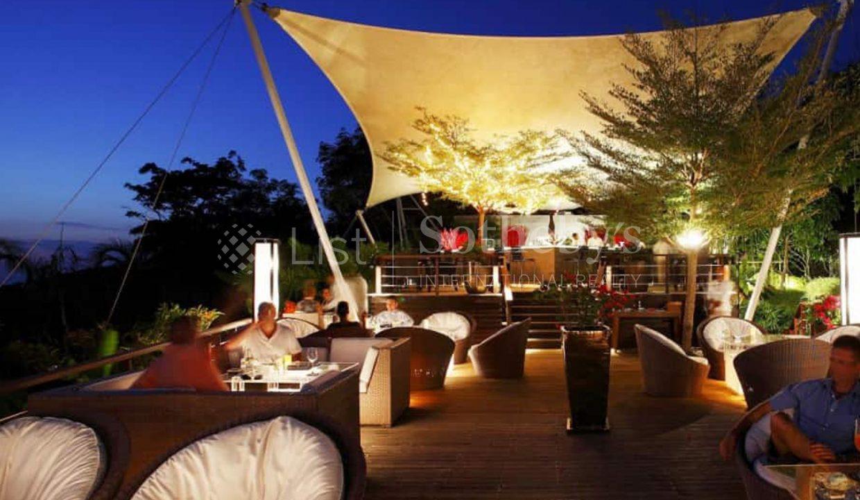 List-Sothebys-Thailand-Pavillion-Phuket-Rsidences-Villa-for-sale-360-Beach-Bar-2_1800x1200_display