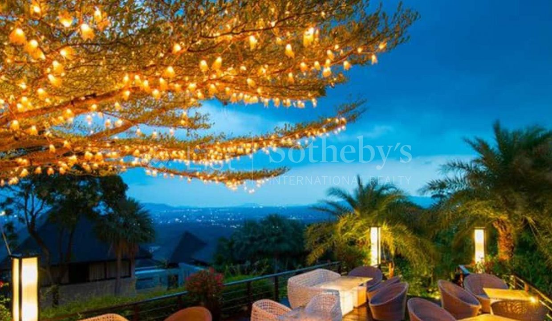 List-Sothebys-Thailand-Pavillion-Phuket-Rsidences-Villa-for-sale-360-Beach-Bar-night-view-2_1800x1200_display