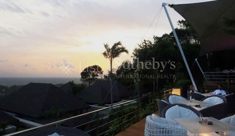 List-Sothebys-Thailand-Pavillion-Phuket-Rsidences-Villa-for-sale-360-Beach-Bar-night-view_1800x1200_display