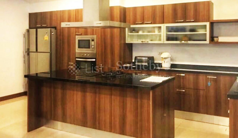 list-sothebys-international-realty-thailand-condo-for-sale-Villa-Pattaya-kitchen