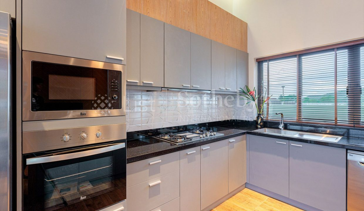 list-sothebys-international-realty-thailand-house-for-sell-Panorama-Villa-Kao-Tao-kitchen-02_1800x1200_display