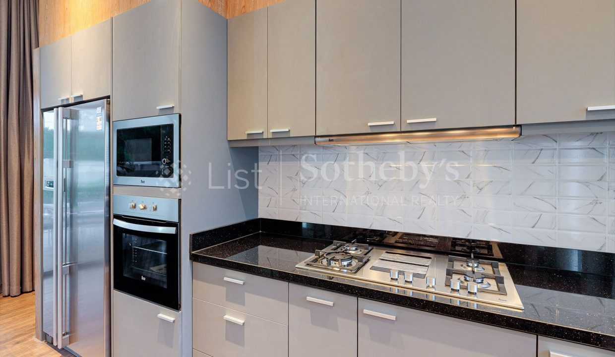 list-sothebys-international-realty-thailand-house-for-sell-Panorama-Villa-Kao-Tao-kitchen-03_1800x1200_display