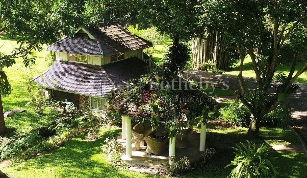list-sothebys-international-realty-thailand-house-for-sell-T&M-Hangdong-Chiangmai-exterior-02_1800x1200_display