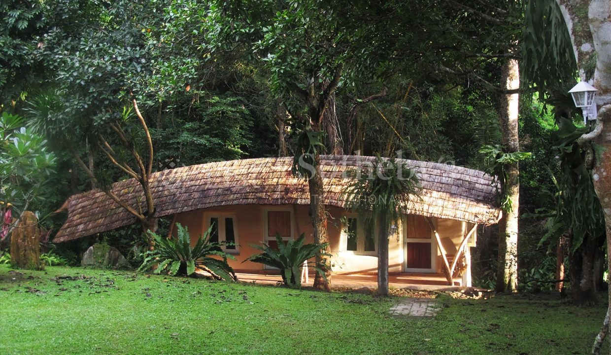 list-sothebys-international-realty-thailand-house-for-sell-T&M-Hangdong-Chiangmai-exterior-04_1800x1200_display