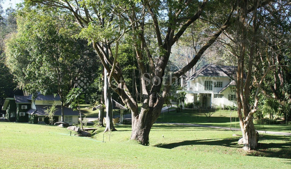 list-sothebys-international-realty-thailand-house-for-sell-T&M-Hangdong-Chiangmai-garden-03_1800x1200_display