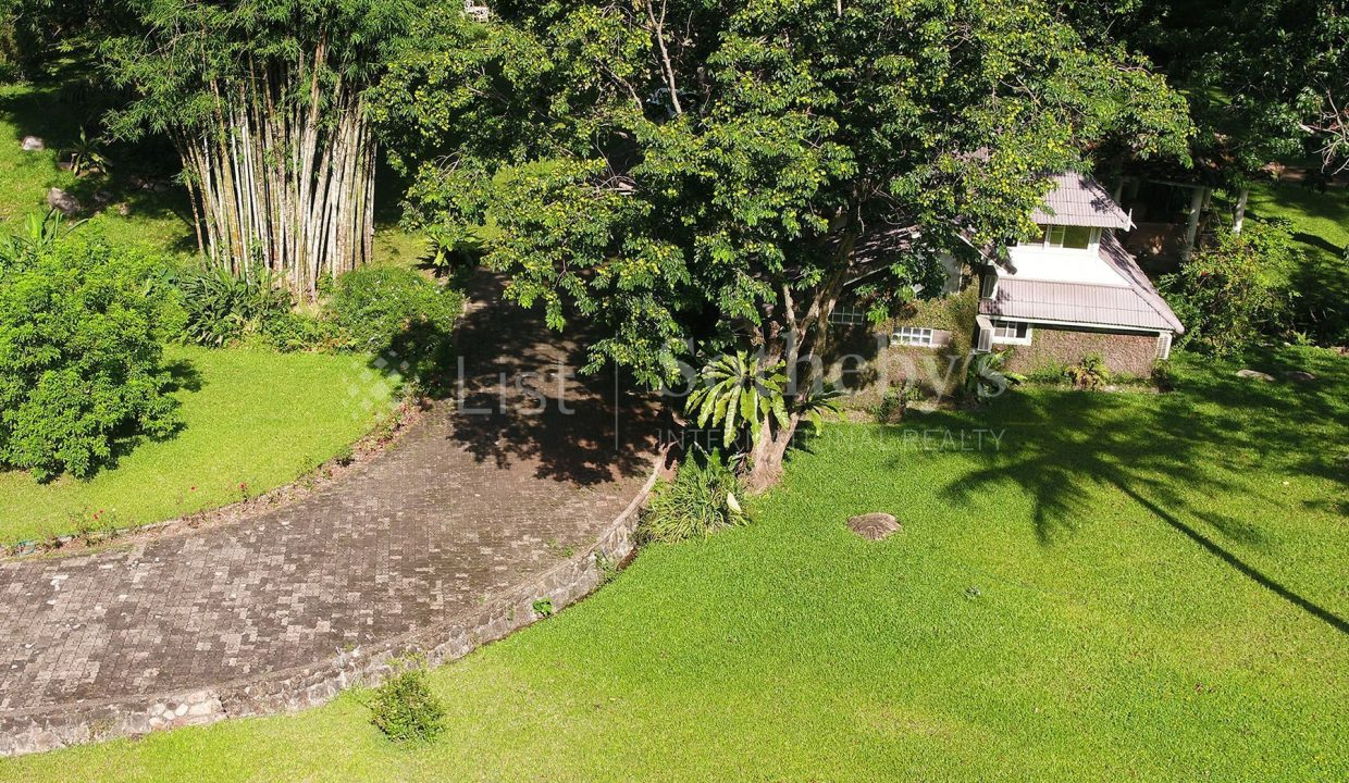 list-sothebys-international-realty-thailand-house-for-sell-T&M-Hangdong-Chiangmai-garden-10_1800x1200_display