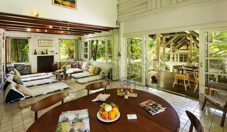list-sothebys-international-realty-thailand-house-for-sell-T&M-Hangdong-Chiangmai-livingroom_1800x1200_display